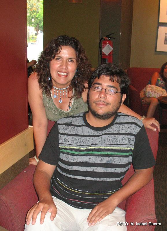 Isa y Marco en un Starbucks