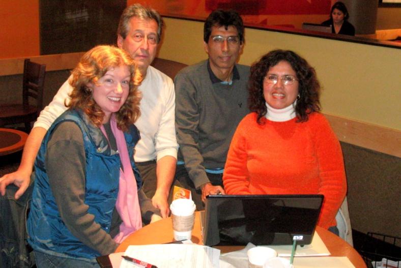 Barbara, su esposo Jorge, Cyberjuan, y yo