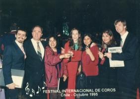 Con mi amiga Flor y algunos miembros de la Coral 25 de Julho, de Porto Alegre, en el festival aquel...