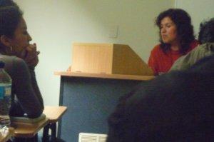 Tomando lista... la foto la hizo uno de mis estudiantes con su celular :)