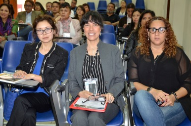 Mariana Narváez (Embajada de Bolivia), Lourdes Chuquipiondo (PlaceOKStudio) y Rocío Lombardi (UARM)